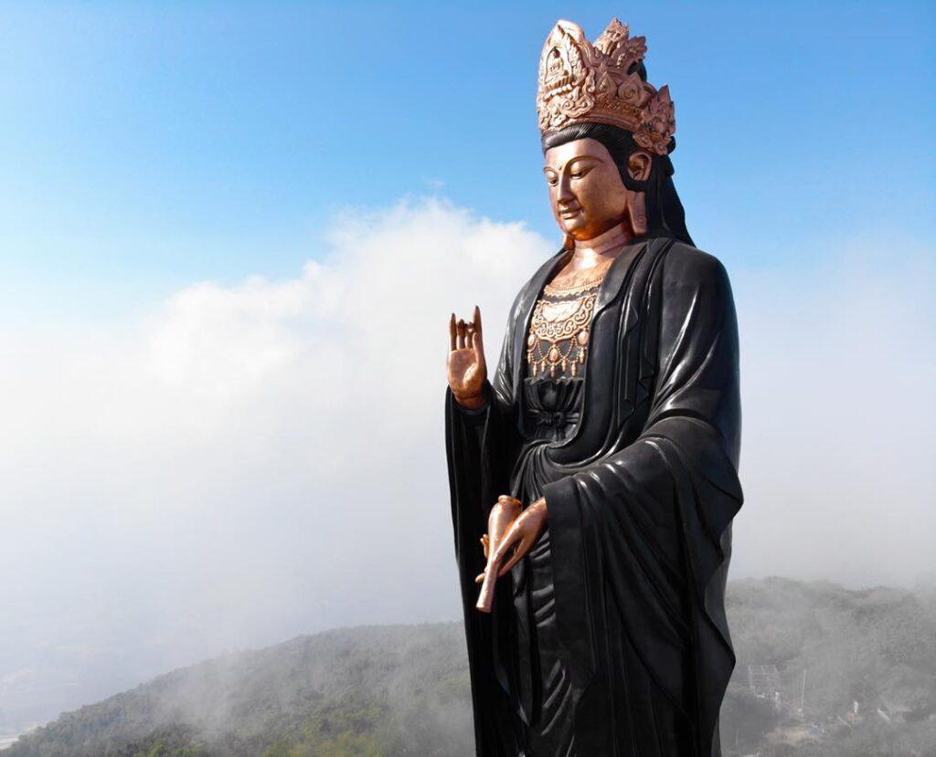Tượng Phật Bà Núi Bà Đen